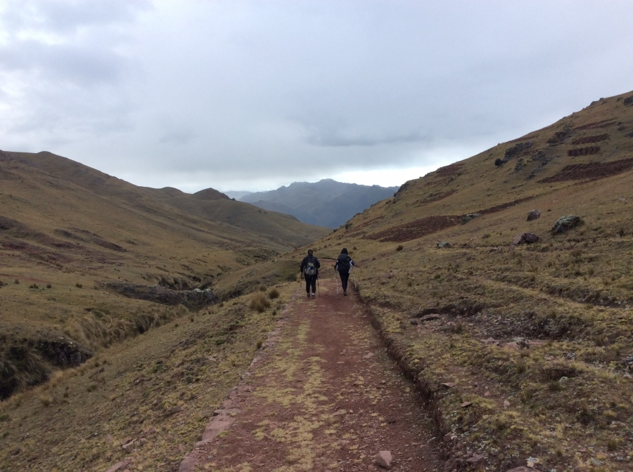 hiking adventure trail to Huchuy qosqo Peru