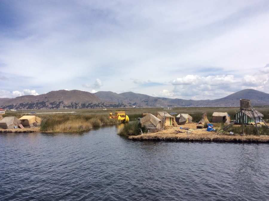 Uros island Puno Peru tour