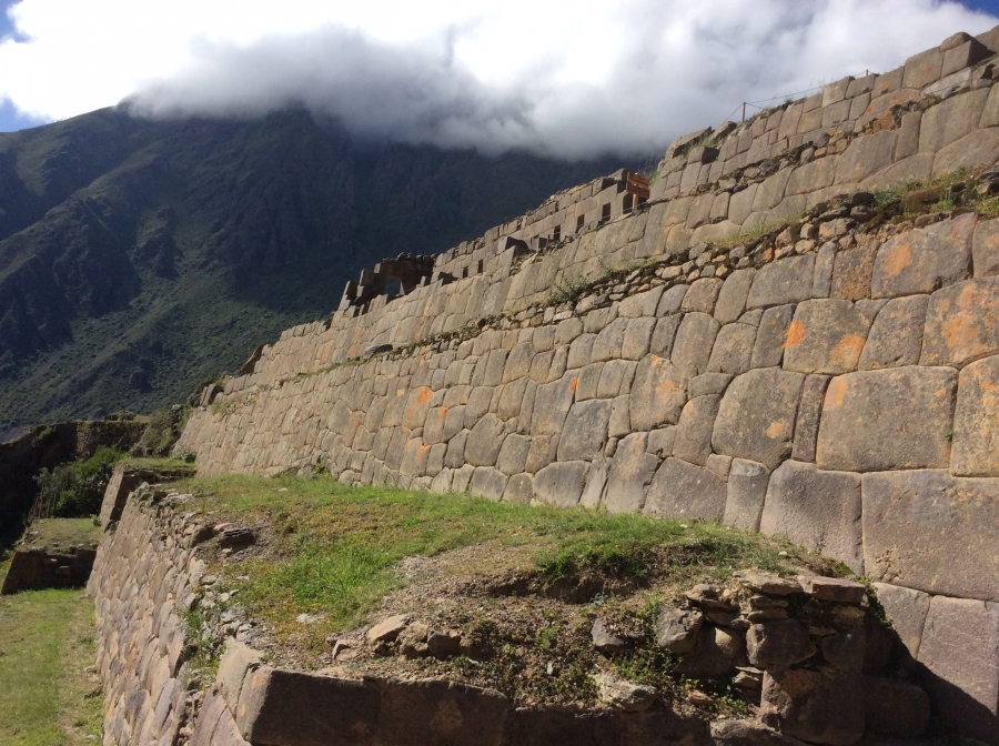 Ollantaytambo tour in the sacred valley in Peru