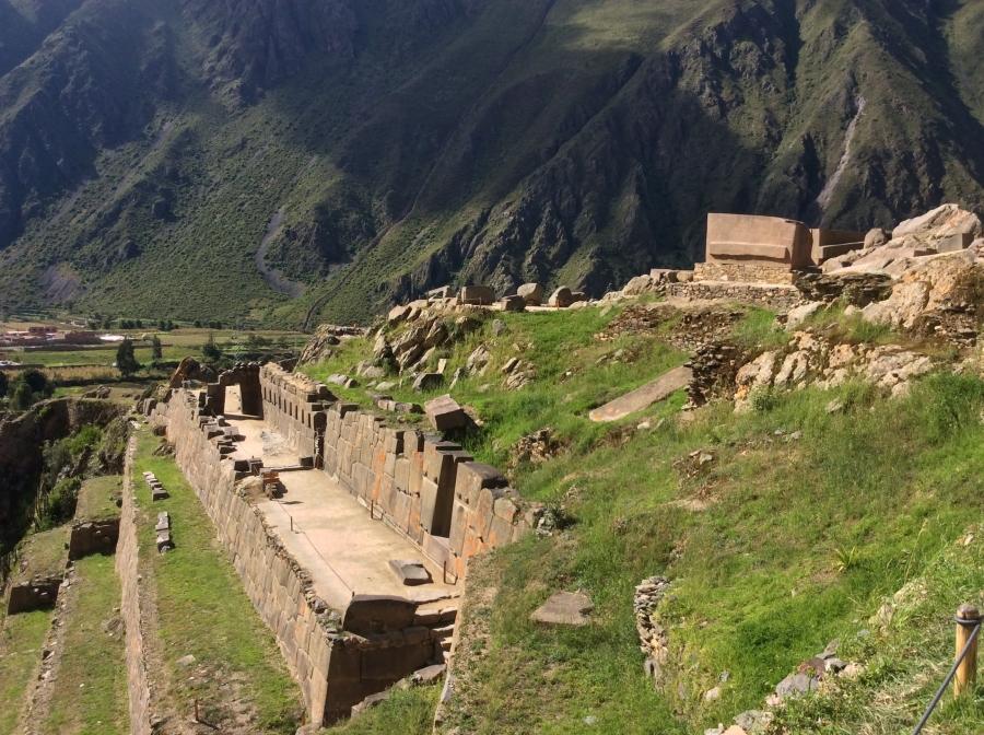tour in Ollantaytambo Inca site