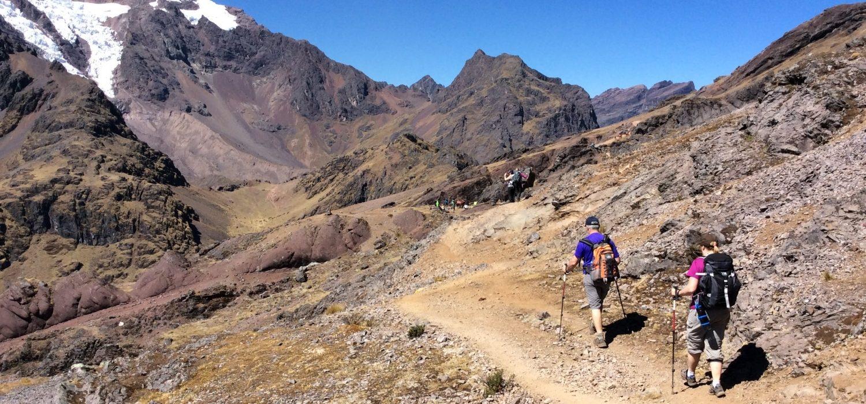 trail hiking Ausangate in Peru