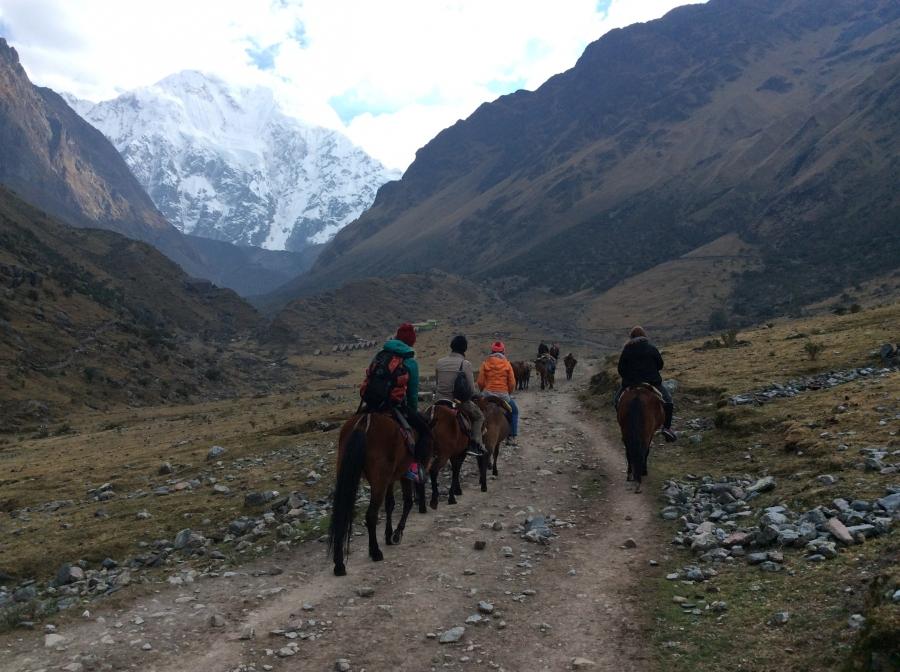 Salkantay trip horseback riding Machupicchu