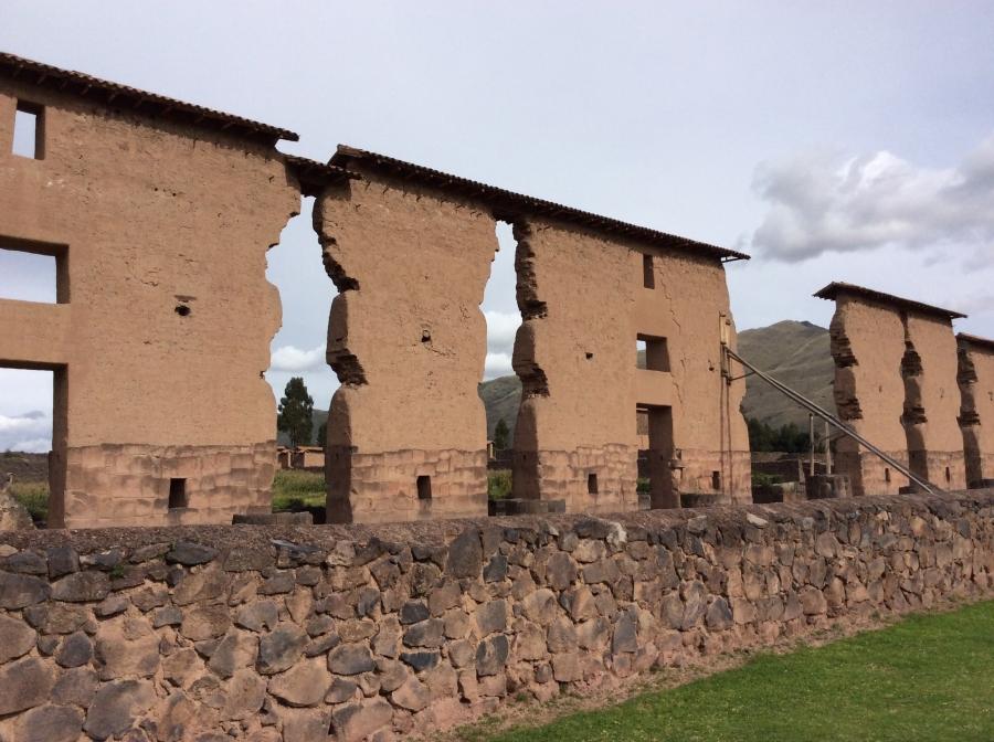 Raqchi-Inca-temple-tour-Peru