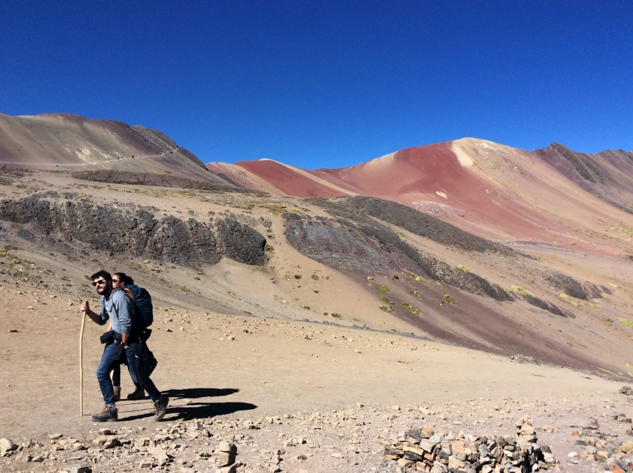 trek to rainbow mountain 4 days