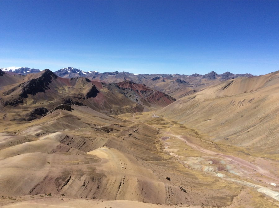 rainbow mountain Vinicunca trek Peru