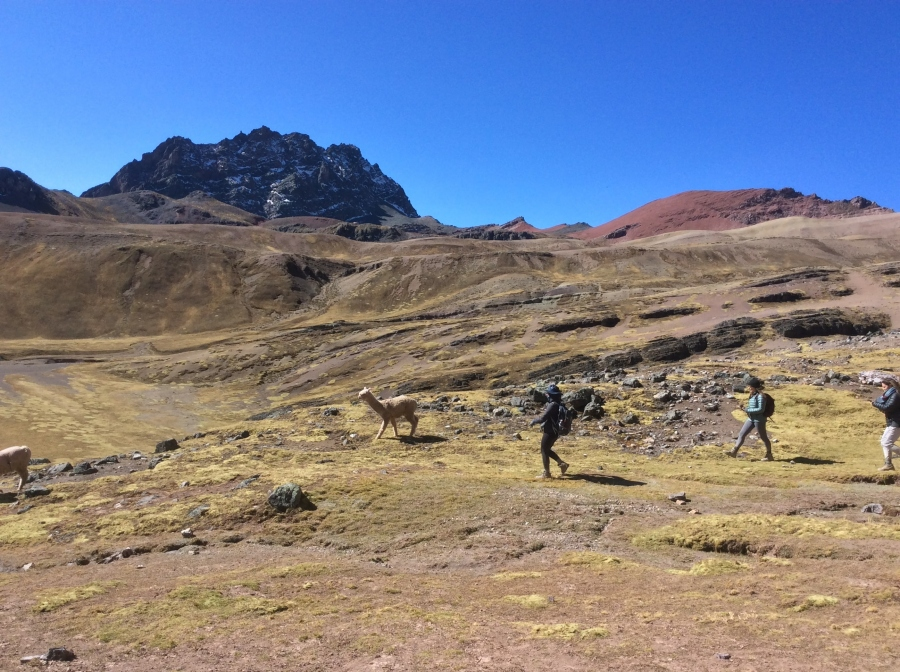 rainbow mountain hike 4 days Peru Cusco