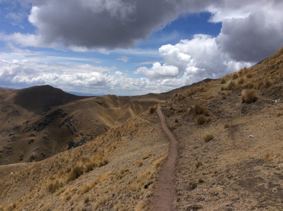Ancascocha trekking trail to Machupicchu