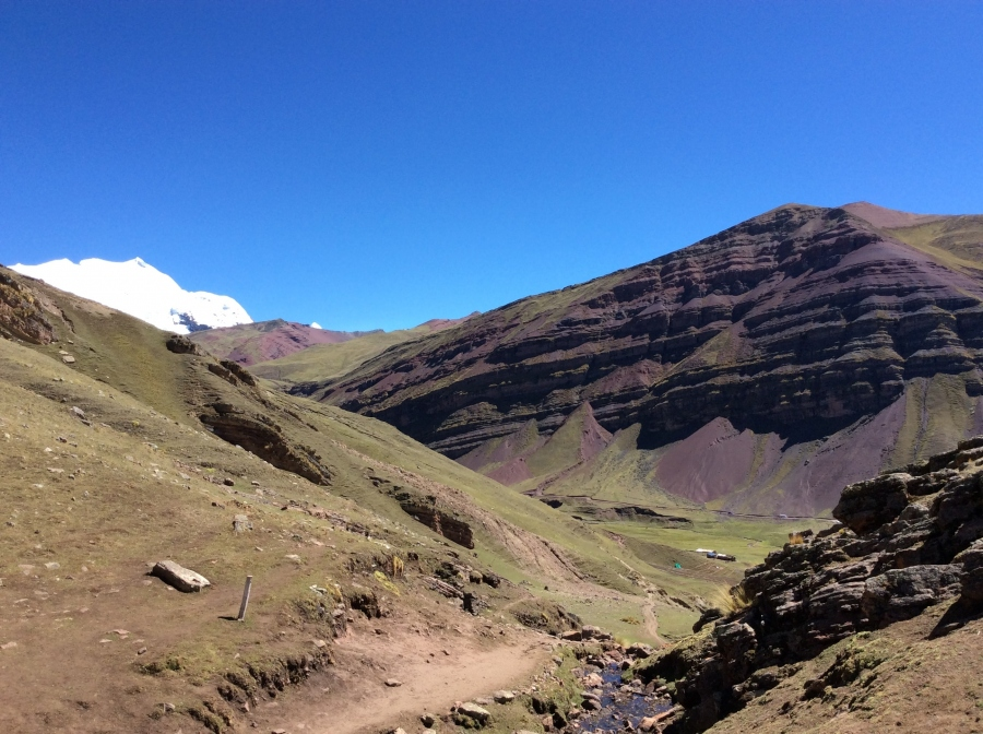 rainbow mountain trail for 2 days Peru