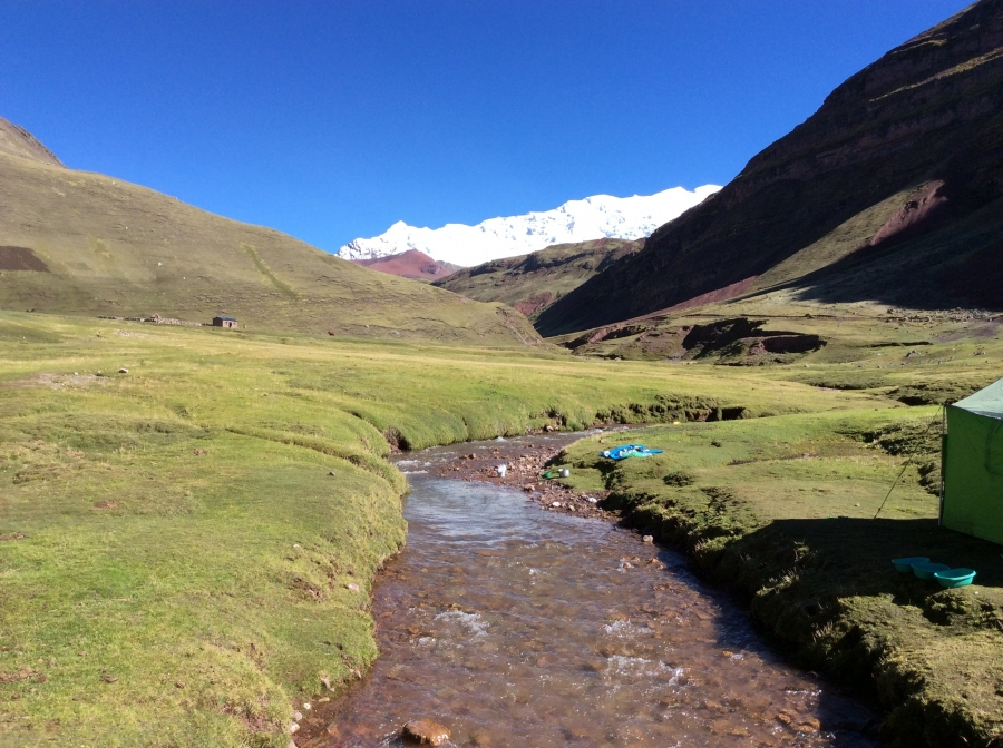 trekking rainbow mountain 2 days Peru