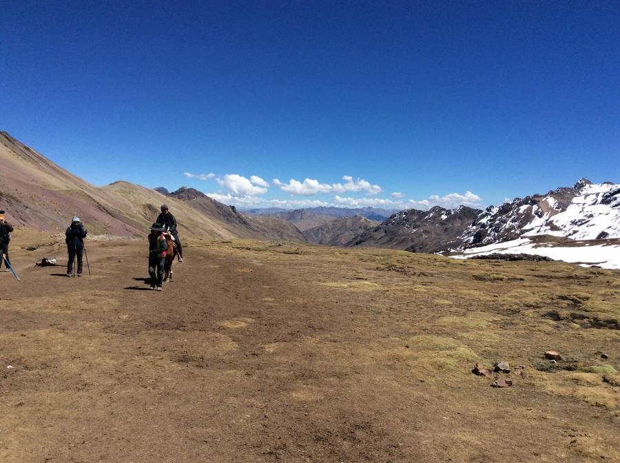 riding horses to rainbow mountain Vinicunca from Cusco