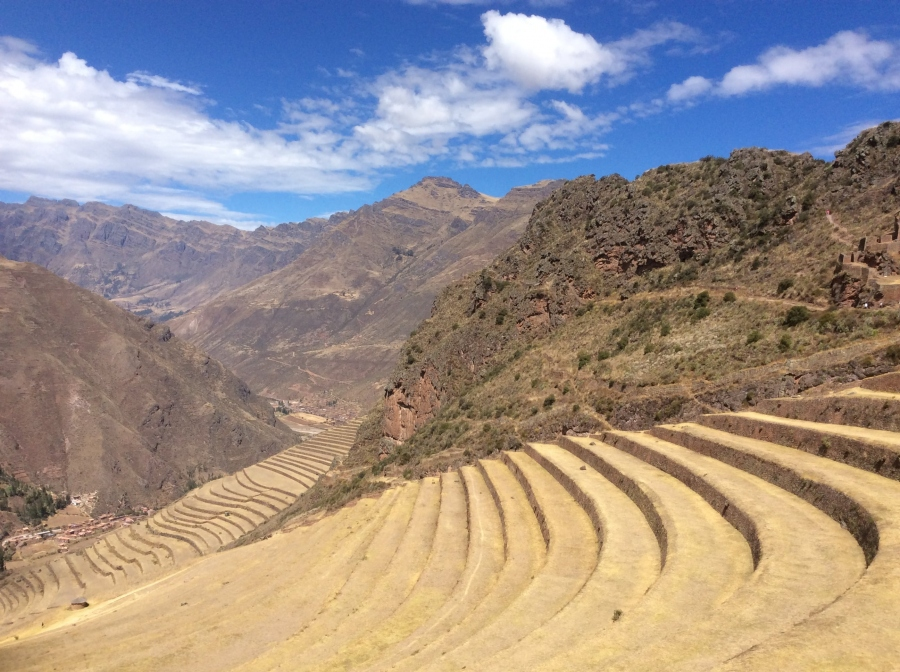 Pisac sacred  valley tour with Machupicchu