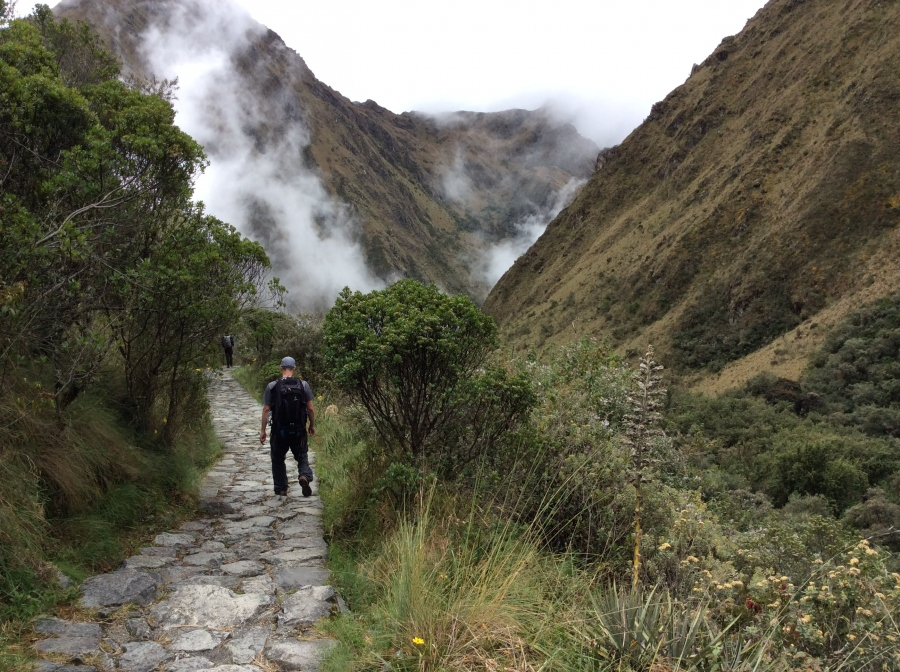 Inca trail trekking in 4 days to Machupicchu