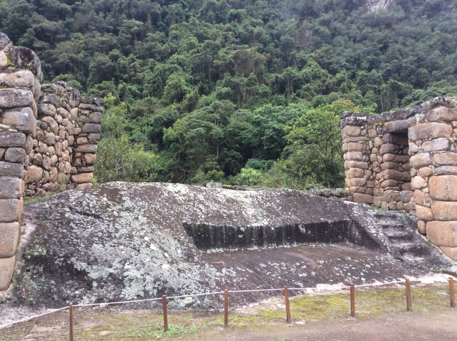 Chachabamba Inca site with short Inca trail
