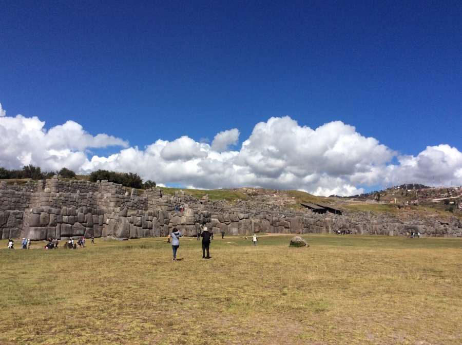 Saqcsayhuamna Inca site with private tour guide tour Peru