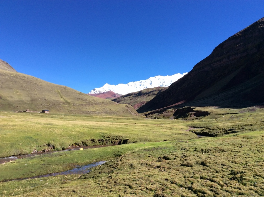 2 days trekking rainbow mountain Peru