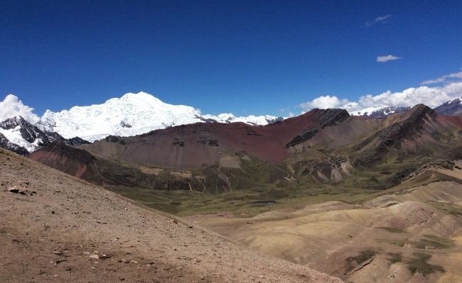 rainbow mountain trekking Peru