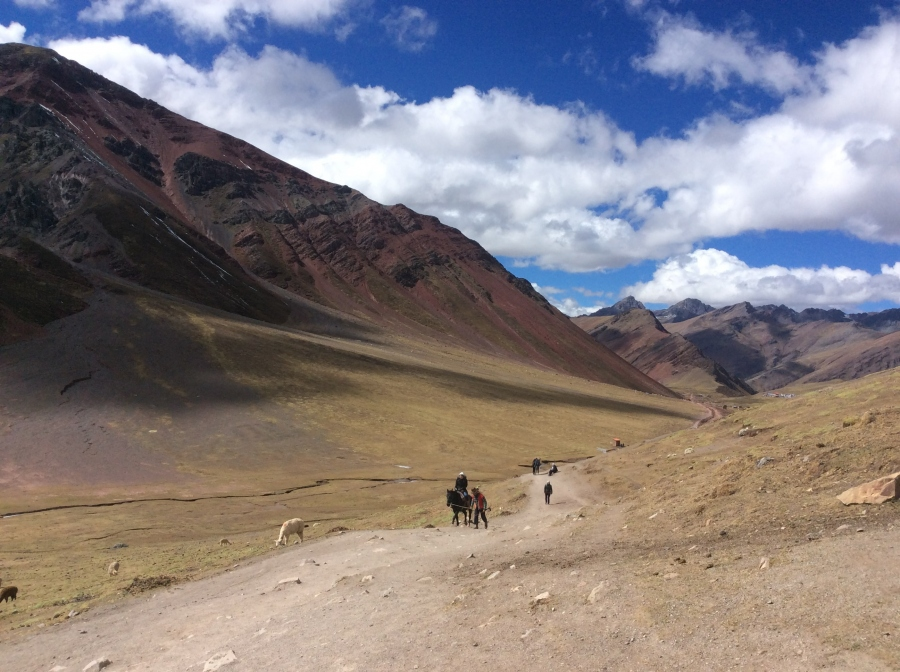 hiking rainbow mountain in Peru