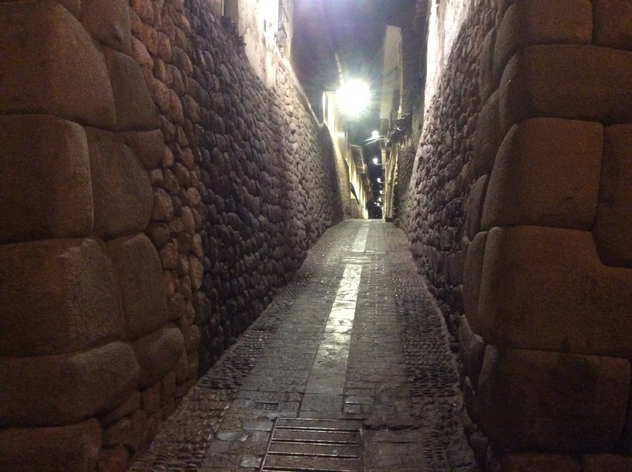 Cusco night tour in Peru with tour guide