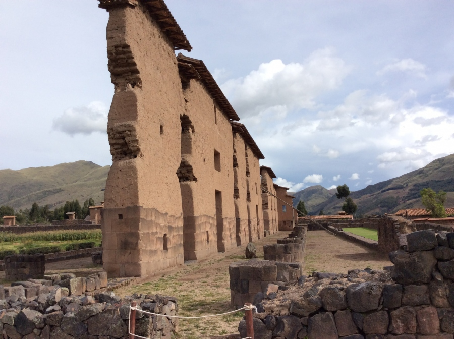 day tour to Raqchi Inca temple in Peru