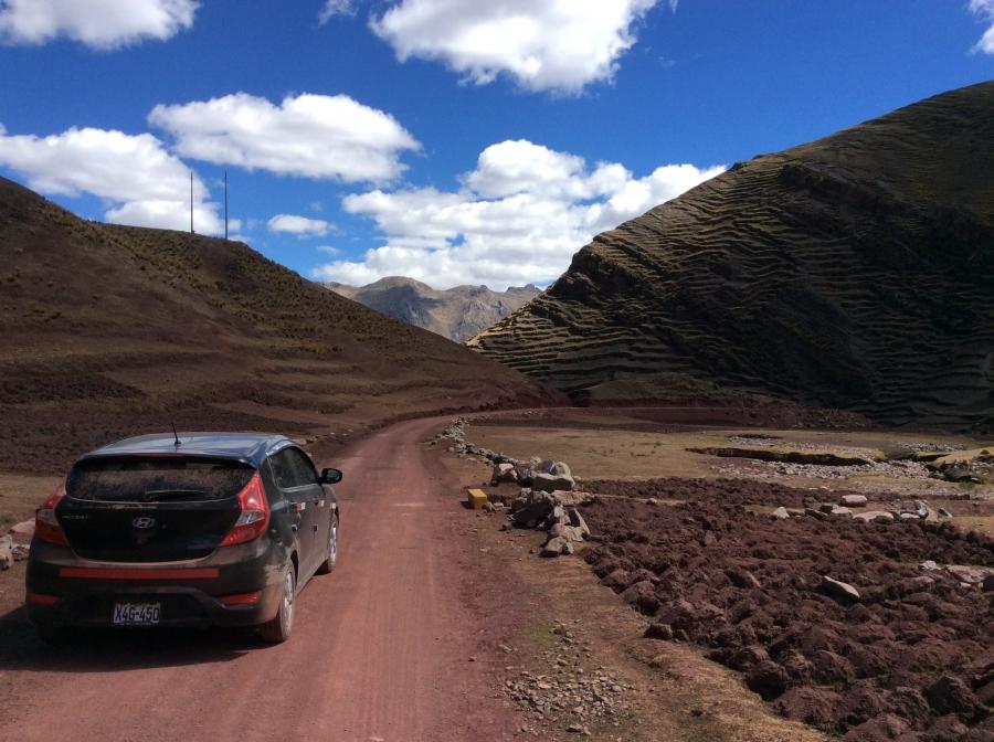 taxi to Palccoyo rainbow mountain in Peru