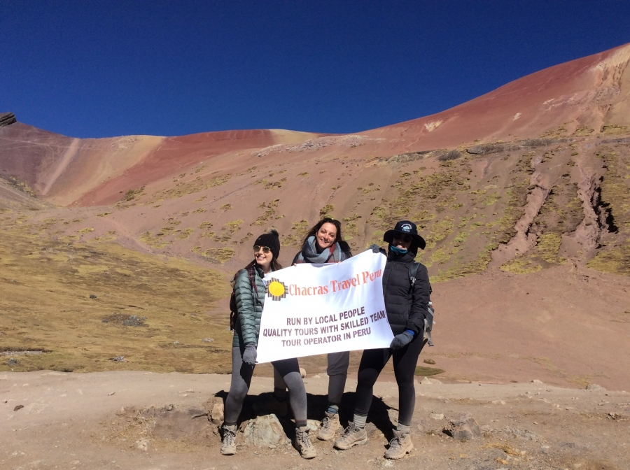 tours to Vinicunca rainbow mountain